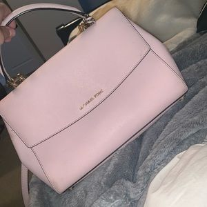 Michael Kors Purse (Barely Used!)